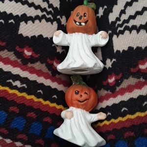Other - Two trickertreater figurines